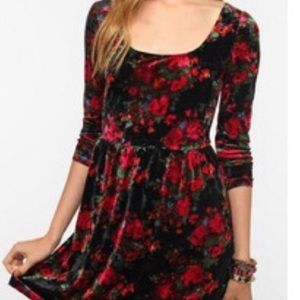 Urban Outfitters Dresses - Kimchi Blue Floral Velvet Dress